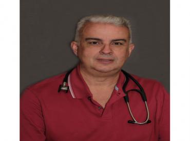 Dr. Rolando Peñate